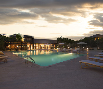 FINCH BAY HOTEL POOL 2