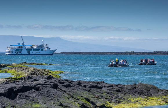 Yacht Isabela II – Activities