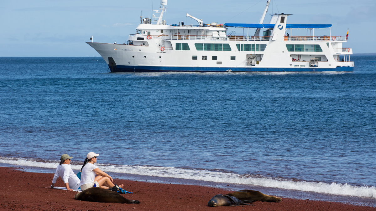 Yacht Isabela II – Activities – Beach