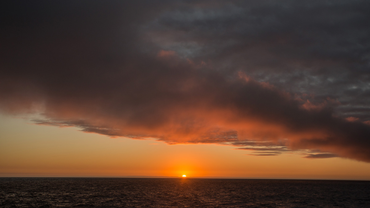 Yacht Isabela II – Landscape