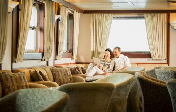 Yacht Isabela II – Social Area – Bar-Salon