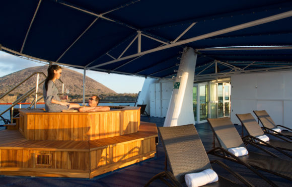 Yacht Isabela II – Social Area – Hot Tub