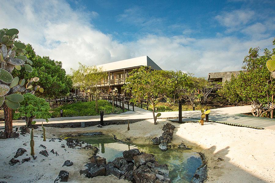 Vista desde el jardín del Finch Bay Galapagos Hotel